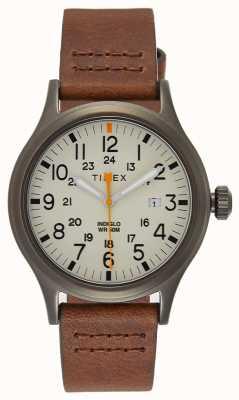 Timex Pokryty 40 brązowym skórzanym paskiem / naturalną tarczą TW2R46400